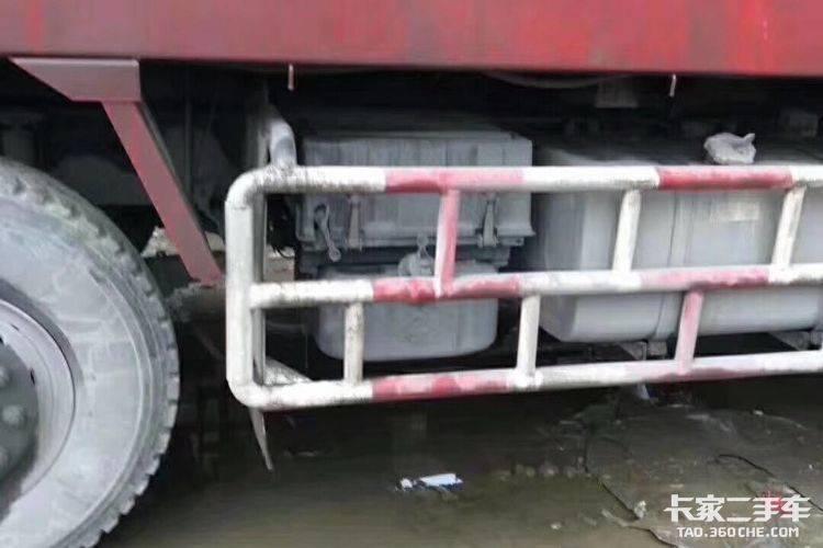 东风柳汽 350马力 自卸车