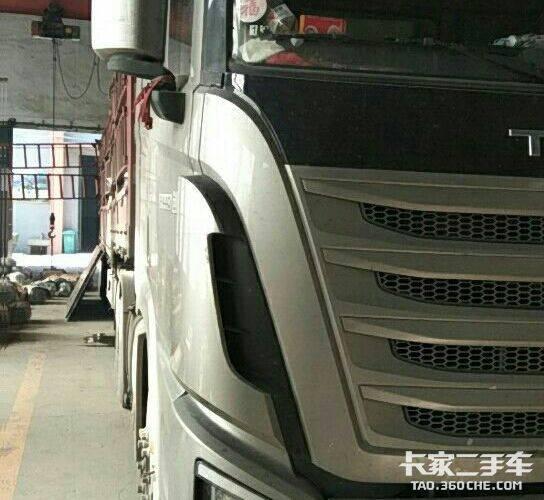 四川现代 440马力 牵引车