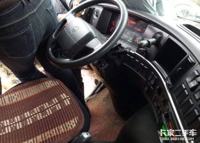 沃尔沃 440马力 牵引车